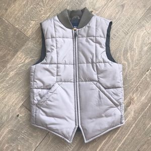 Like new Gap kids puffer best tan size small 6-7